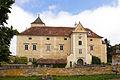 Schloss Oberhöflein Südwestansicht 2015-09.jpg