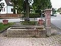 Schoenbrunn-u-brunnen.JPG