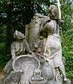 Sculpture au Jardin d'Agronomie Tropicale.JPG