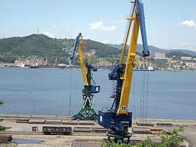 Sea terminals in Nakhodka Harbour.JPG