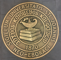 Seal of St Johns University--New York.png