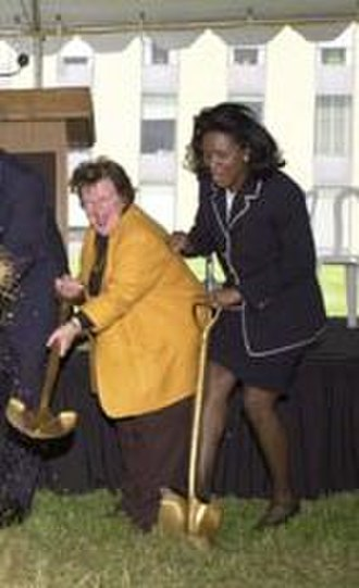 Cheryl L. Shavers - Senator Barbara Mikulski and Dr Cheryl L Shavers, groundbreaking ceremony at NIST in 2000