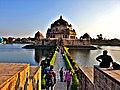 Sher Sah Suri Tomb front profile.jpg