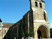 Solignac - Eglise abbatiale - Extérieur avec façade occidentale.JPG