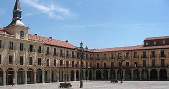 Spain-Leon-Plaza Major2005