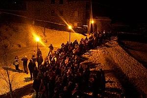 Badalisc - Image: Spettatori alla festa del Badalisc Andrista Cevo (Foto Luca Giarelli)