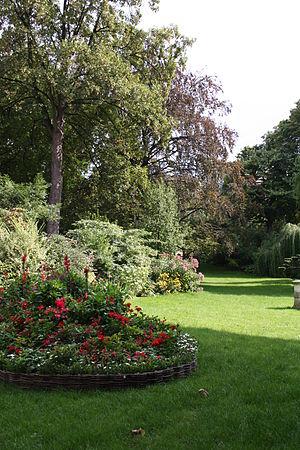 Square des Batignolles - A typical vista in the Square des Batignolles