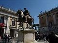 Standbeeld van Marcus Aurelius, Piazza del Campidoglio (13972121953).jpg