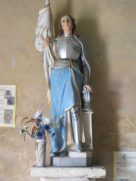 Statue, Église de Meobecq, France