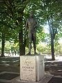 Statue Pictet Rochemont.JPG