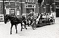 Strandgangers met paard en wagen in Z'voort (2949413510).jpg