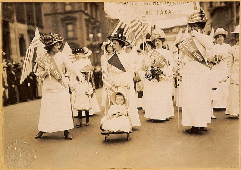 File:Suffrage parade-New York City-May 6 1912.jpg