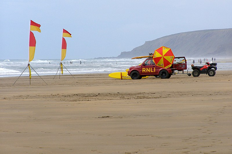 File:Summerleaze Beach, Bude - panoramio.jpg