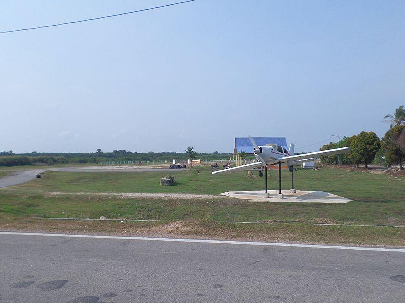 File:Sungai Rambai Aerodrome.JPG