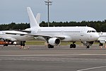 TUI, ES-ZGI, Airbus A320-214 (42523633630).jpg