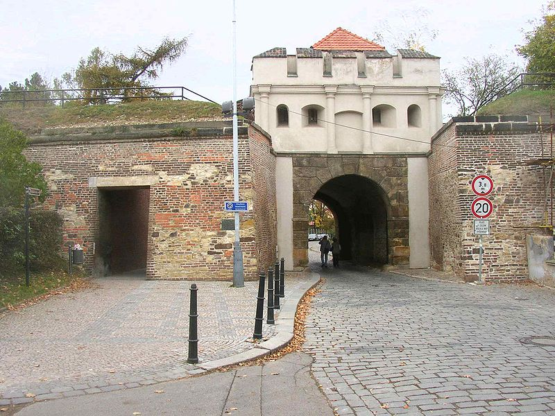 Файл:Tabor Gate Vysehrad Prague CZ 763.jpg