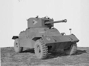 autocarri militari vintage prima e dopo conflitti bellici 310px-Tanks_and_Afvs_of_the_British_Army_1939-45_STT6215