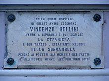 La lapide che ricorda il soggiorno di Bellini a Moltrasio, sul Lago di Como