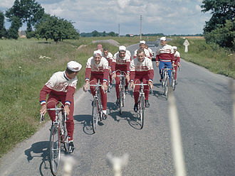 Televizier (cycling team) - The Televizier team in 1964