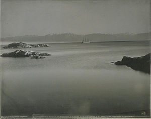 Strait of Juan de Fuca - The Olympic Mountains of Washington as seen from the entrance to Esquimalt Harbour, 1900, photo: John Wallace Jones