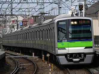 Toei Shinjuku Line - Image: Toei 10 300