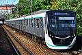 Tokyu 2020 series Den-en-toshi Line Tana Station 20190530.jpg