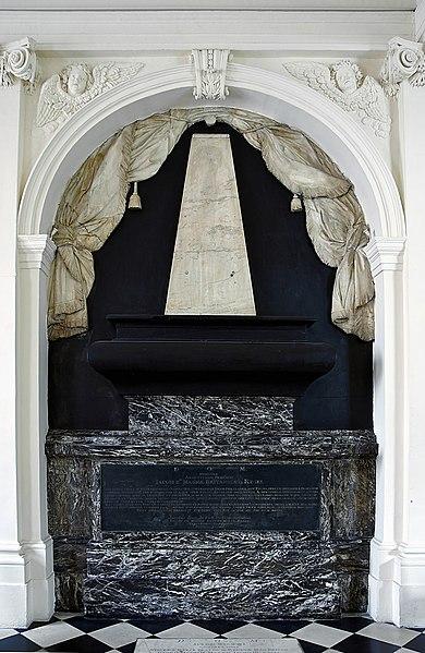 Fichier:Tomb Brain James II England VII Scotland Scots college Paris.jpg