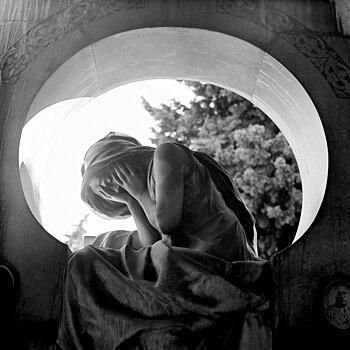 Tomba Remaggi Bargagliotti (Cimitero di Staglieno).jpg
