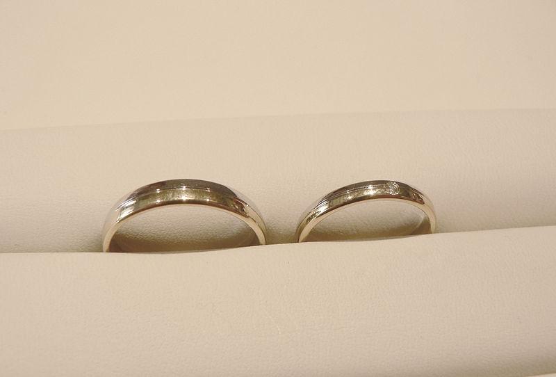 Złote obrączki - jakie kupic obrączki ślubne