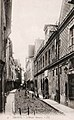 Troyes, Hôtel de Mauroy et rue de la Trinité.jpg
