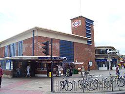 Turnpike Lane Station (109817849)
