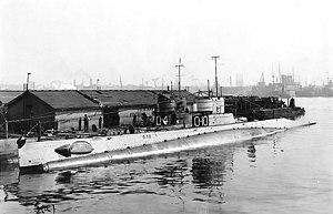 USS O-10 (SS-71) - Image: USS O 10 (SS 71)