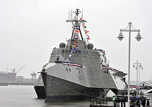 US Navy 100116-N-8273J-025 The new littoral combat ship, USS Independence (LCS 2) is pier side during her commissioning ceremony.jpg