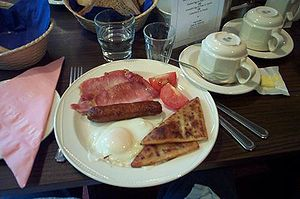 Culture of Northern Ireland - An Ulster fry, served in Belfast, Northern Ireland.