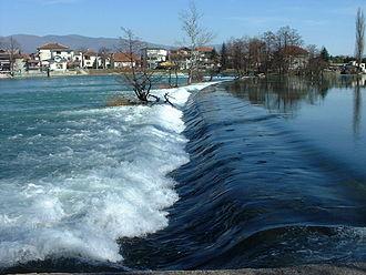 Una (Sava) - Image: Una,Bihac 2004