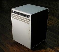 VAX-11-750.jpg