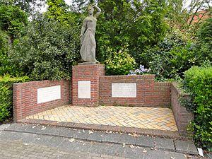 Nina Baanders-Kessler - Resistance Memorial in Makkum