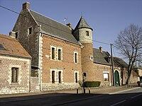 Villers en Cauchies farm.jpg