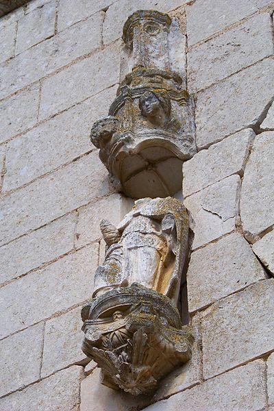 Église Saint-Martin de Vincelottes, détail de la façade ouest