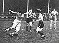 Violette Morris au football, avec l'Olympique (vers 1920).jpg
