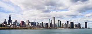Vista del Skyline de Chicago desde el Planetario, Illinois, Estados Unidos, 2012-10-20, DD 09.jpg