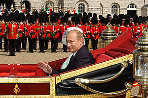 English: Vladimir Putin and Her Majesty Queen ...