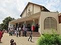 Vue de profil de Eglise St Thérèse de l'enfant jésus de Godomey au Bénin.jpg