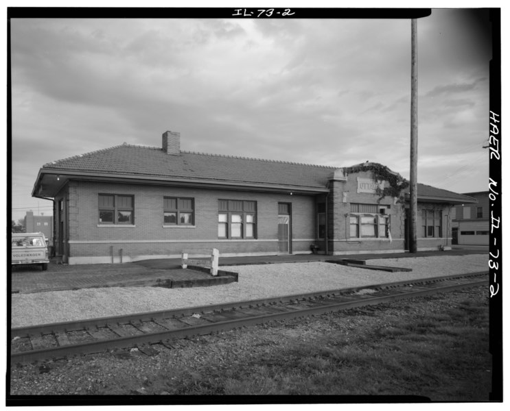 File:WEST FACADE OF DEPOT, FROM RAILROAD TRACKS, LOOKING SOUTHEAST. - Chicago, Burlington and Quincy Railroad, Ottawa Passenger Station, Corner of Walnut and Main Streets, Ottawa, La HAER ILL, 50-OTWA, 4-2.tif