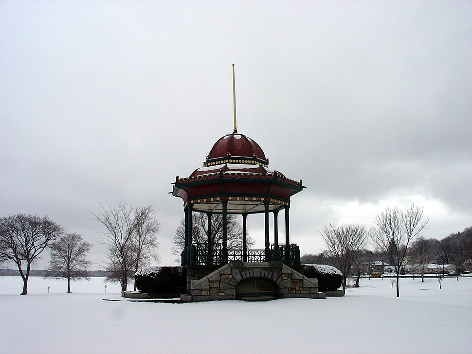 Wakefield Bandstand in the Winter