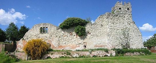 Walingford (Oxfordshire, UK) Castle Ruins - Remains of Saint Nicholas college