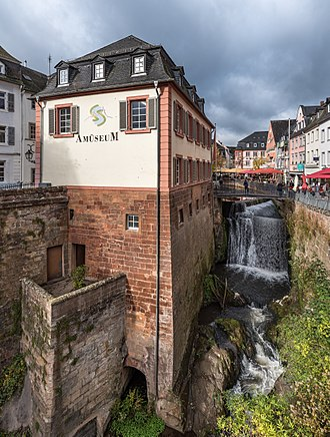Saarburg - Image: Wasserfall Saarburg Amueseum 2016