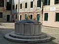 Well at Campo Sant Agostin.jpg