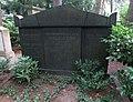 Willi Suth -grave.jpg