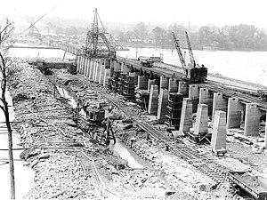 Wilson Dam - Image: Wilson Dam Construction in 1919